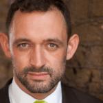 PAUL HOSKINS – WIRTSCHAFTSJOURNALIST UND SCHAUSPIELER